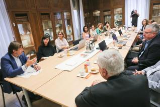 El jurat tria guanyadors de la 13a edició dels Premis Nous Professionals