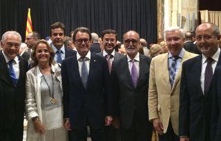 El Instituto Industrial de Terrassa recibe la Placa al trabajo Presidente Macià 2015