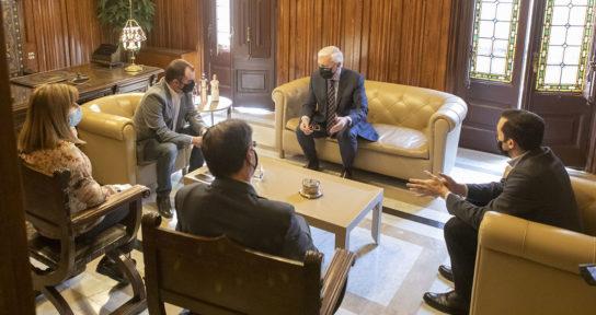 Jordi Ballart recibe al nuevo secretario general de la Cecot, Oriol Alba