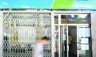 El paro local cae en todos los sectores en mayo, especialmente en los servicios