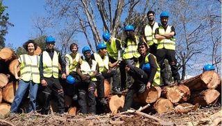 Terrassa da el visto bueno a diez jóvenes que se han formado como trabajadores forestales