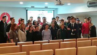 Fomento presenta un programa piloto de inserción sociolaboral para jóvenes