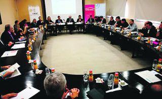 El Pacte de Reindustrialització aborda una nueva hoja de ruta